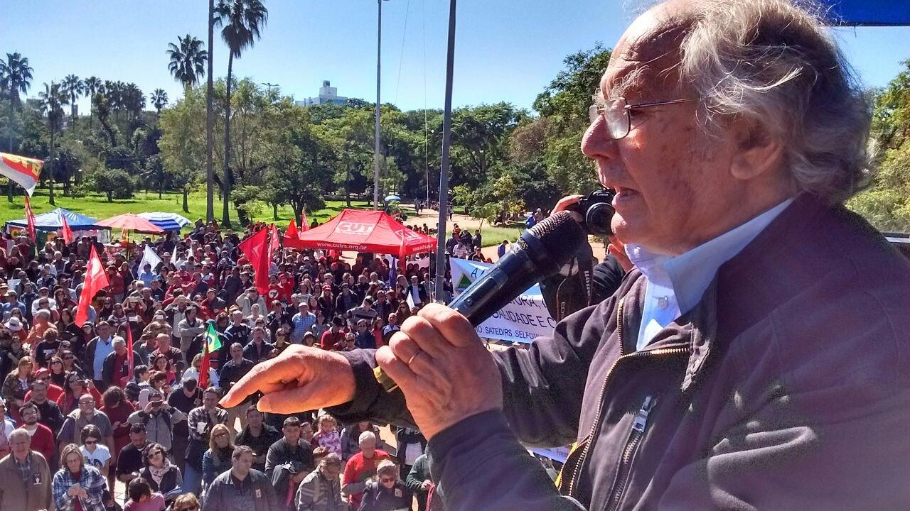 Intelectuais condenam celebração do Golpe de 64