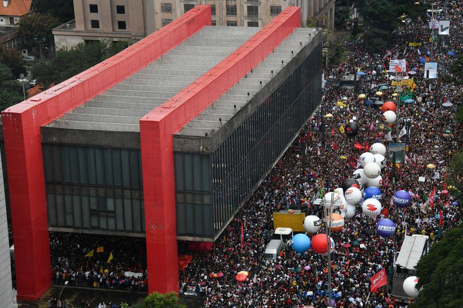 Primeiro grande protesto popular no Brasil do Obscurantismo: E agora?