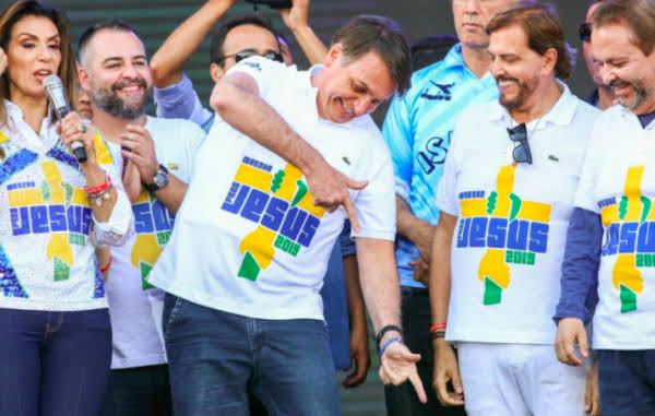 Por que a maioria do evangélicos escolheu Bolsonaro?