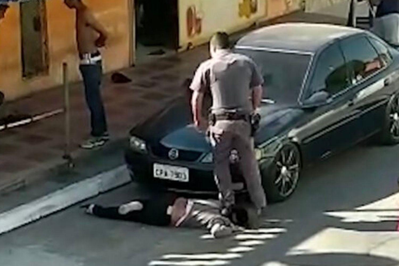 É preciso combater a violência policial