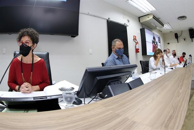 Volta às aulas: audiência pública sinaliza para riscos do presencial