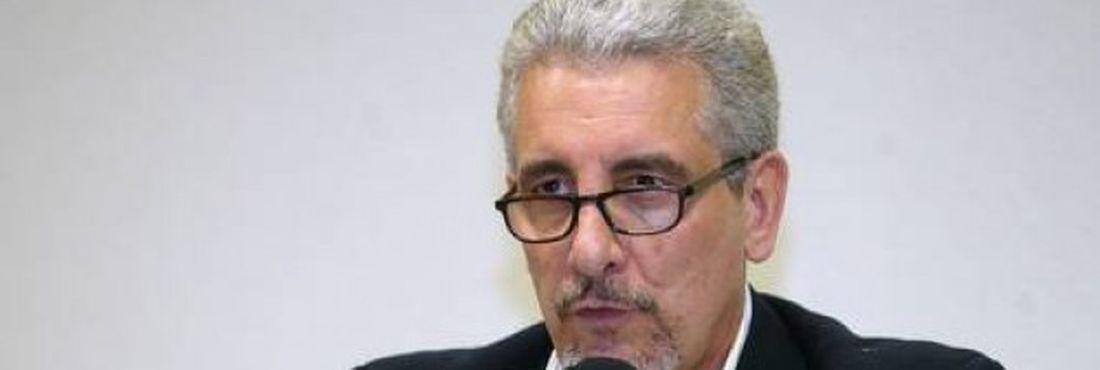 Juíza tenta modificar laudo que inocenta Henrique Pizzolato das condenações do Mensalão